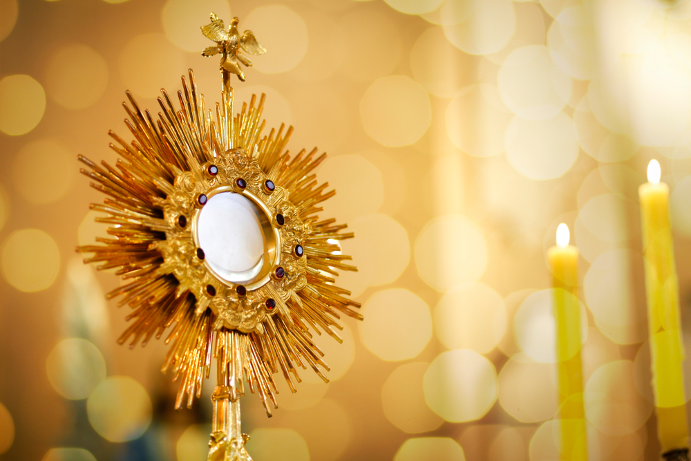 How to do Eucharistic adoration with kids